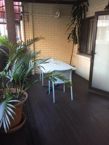 Фото отеля Acacia Inner City Inn