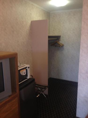 Richmond Inn & Suites - Richmond, IN 47374