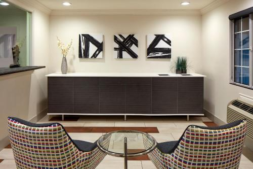 Studio Inn And Suites - Downey, CA 90242