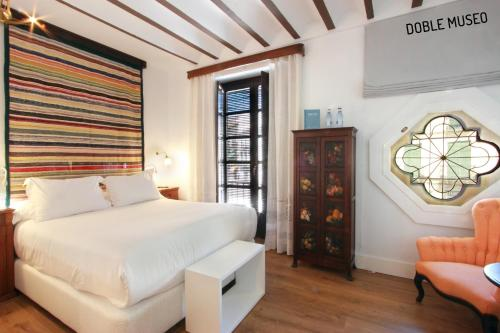 Deluxe Double or Twin Room Hotel Patria Chica 14