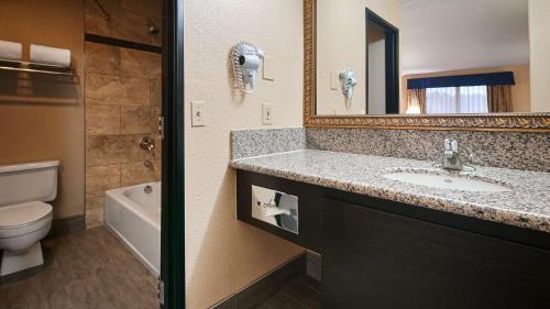 Best Western Desert Villa Inn - Barstow, CA CA 92311