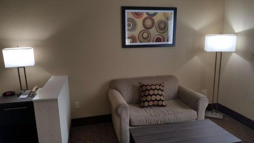 Best Western Teal Lake Inn - Mexico, MO 65265