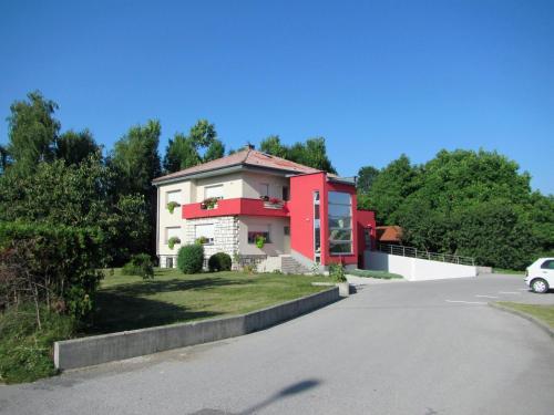 Pod Orehi - Accommodation - Postojna