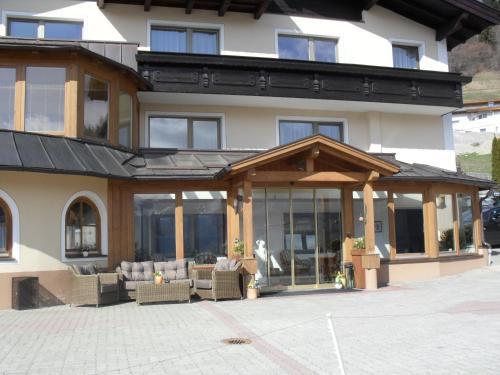 Apart Hotel Ideal - Apartment - Ladis