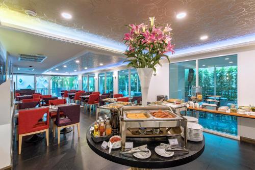Anajak Bangkok Hotel photo 34