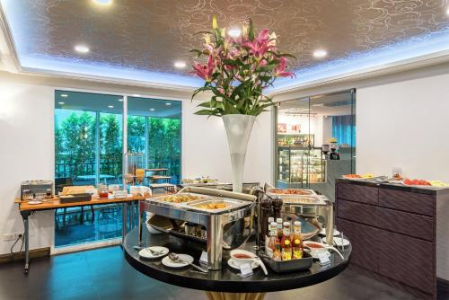 Anajak Bangkok Hotel photo 35