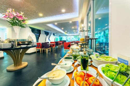 Anajak Bangkok Hotel photo 42