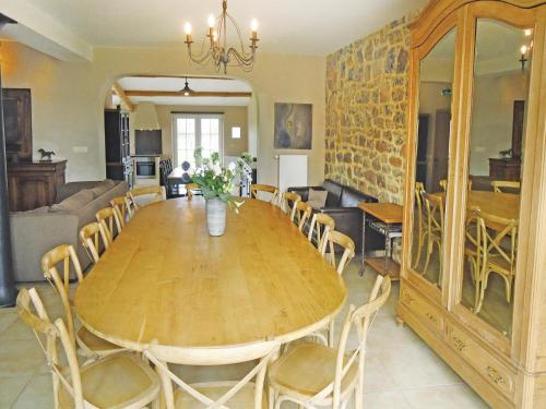Holiday home Nalinnes with a Fireplace 177 room photos