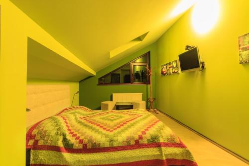 Cameră dublă - Mansardă (Double Room - Attic)