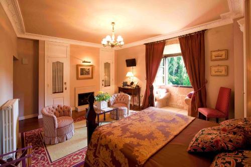 Superior Double Room Pazo de Bentraces 13