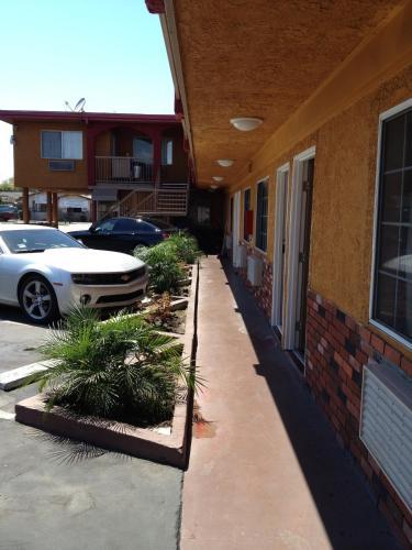 Hyde Park Motel - Los Angeles, CA 90043