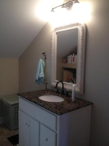 Charming Home In Derby City - Louisville, KY 40205