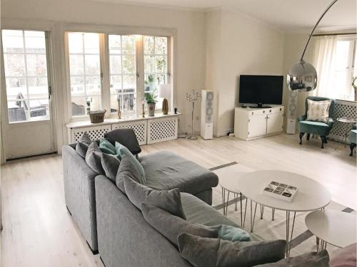 Three-Bedroom Holiday Home in Bromma photo 5