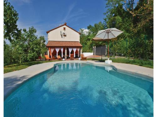 Three-Bedroom Holiday home Babici with Sea View 03