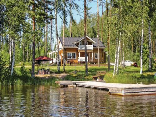 Four-Bedroom Holiday Home in Hangastemaa