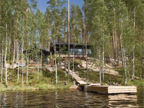 Three-Bedroom Holiday Home in Hurissalo