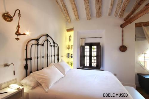 Deluxe Double or Twin Room Hotel Patria Chica 8