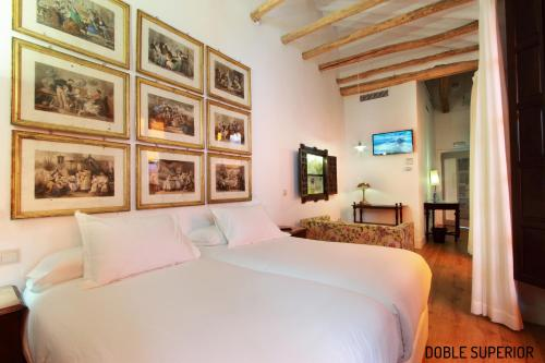 Superior King or Twin Room Hotel Patria Chica 8