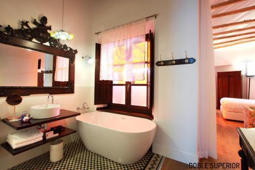Habitación Doble Superior - 1 cama extragrande o 2 individuales Hotel Patria Chica 14