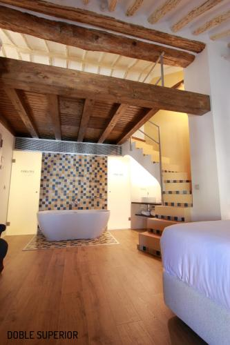 Superior King or Twin Room Hotel Patria Chica 13