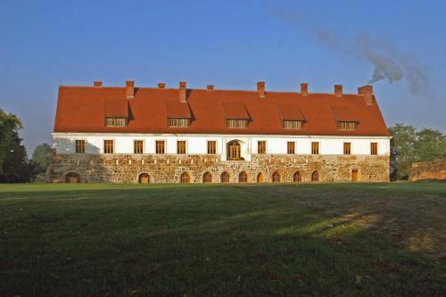 . Klasztor Cedynia Hotel