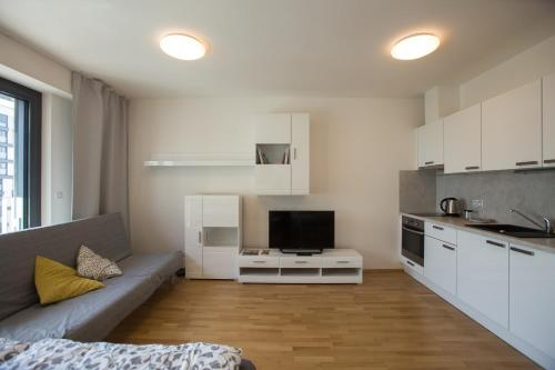 006 Angel Apartment - image 9