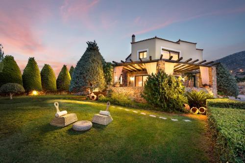Golden Crest Villa