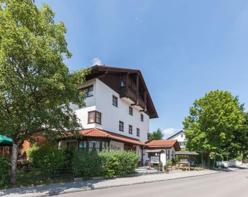 . Hotel Hachinger Hof