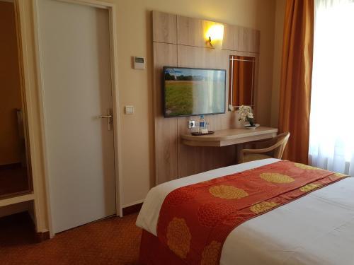 Hotel Champerret Elysees photo 15