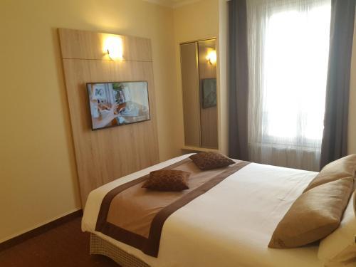 Hotel Champerret Elysees photo 16