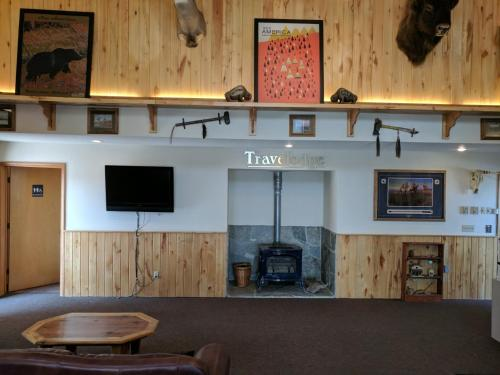 Travelodge By Wyndham Three Forks - Three Forks, MT 59752
