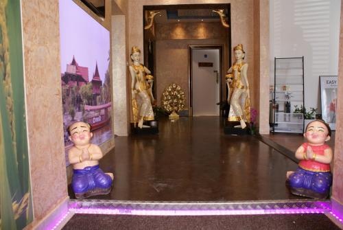 LG Thai Derm Spa & Guesthouse (B&B)