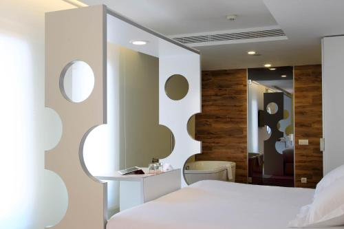 Room Mate Pau photo 20