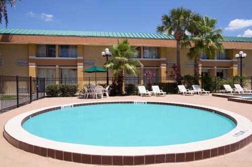 Baymont By Wyndham Florida Mall - Orlando, FL 32809