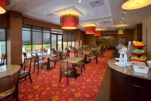 Ramada Plaza Resort & Suites by Wyndham Orlando Intl Drive photo 24