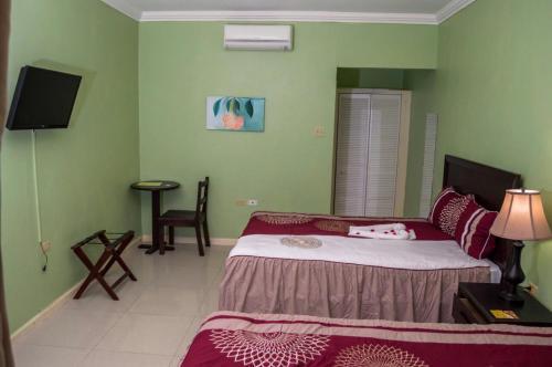 HotelDonway, A Jamaican Style Village