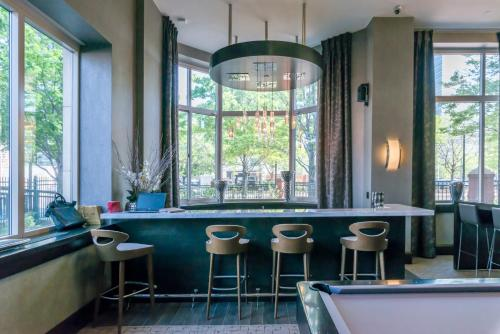 Skyline Luxury Suites At Jersey City - Jersey City, NJ 07310