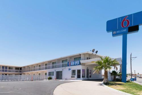 Motel 6 Barstow CA - Route 66