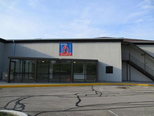 Studio 6 Indianapolis - Indianapolis, IN 46224
