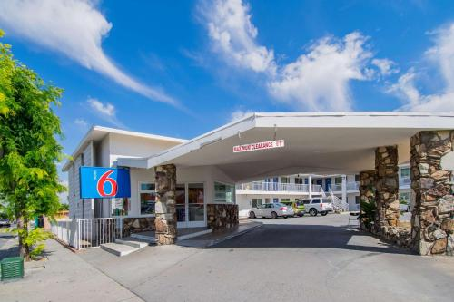 Motel 6 San Bernardino CA - Downtown