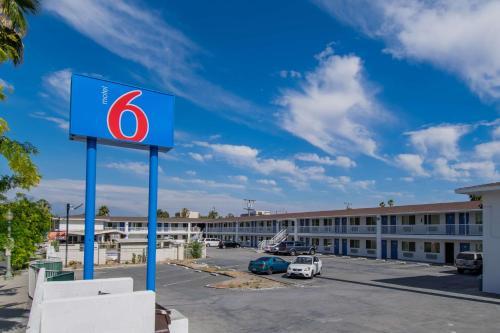 Motel 6 San Bernardino CA - Downtown - San Bernardino, CA 92418
