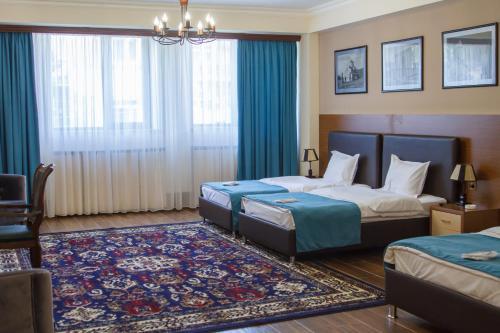 Фото отеля Hotel Plaza Viktoria