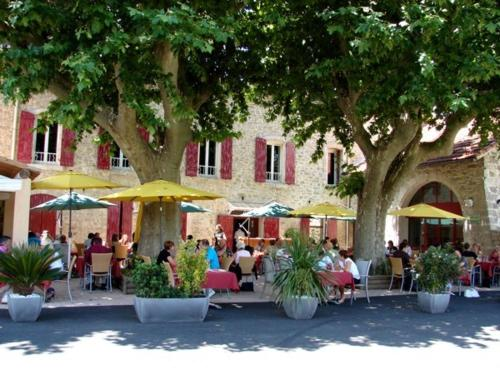 Auberge de Bonpas Logis de France - Hotel - Montfavet