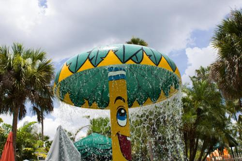 It's A Small World - Kissimmee, FL 34746