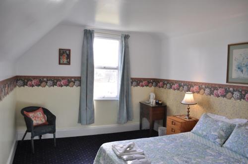 Фото отеля Roslyn House Bed & Breakfast