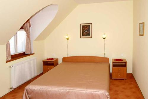 Double room with Extra bed and air-conditioning