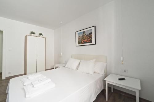 The White Flats Les Corts photo 90
