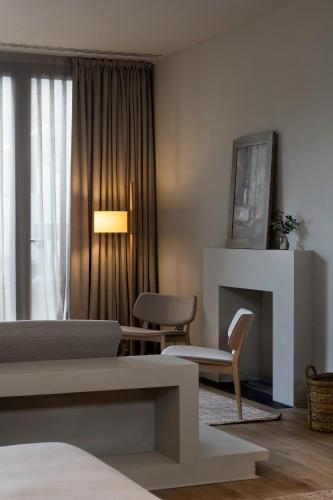 Junior Suite with Terrace Hotel Peralada Wine Spa & Golf 7