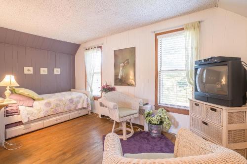 The Cottonwood Inn B&B - Accommodation - Empire