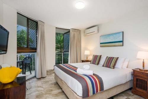 Фото отеля Bayview Beachfront Apartments